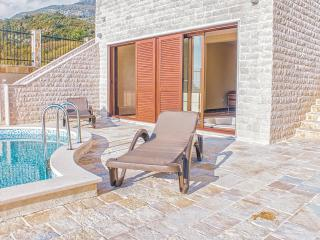Deluxe Adria Resort Sunbreeze Pools Jacuzzi Sauna, Budva
