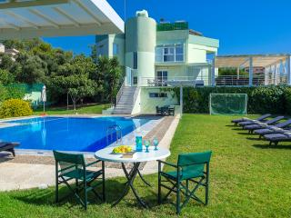 Stunning Villa for private Escape/Ocean near by, Galatas