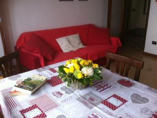 dining room with sofabed