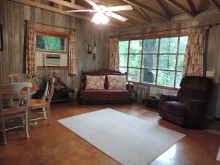 Comfortable Family Cottage In Quiet River Resort, Leonidas