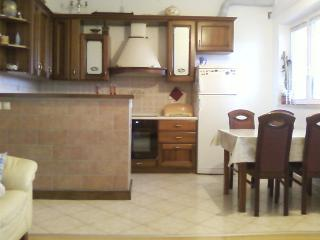 Beautiful apartment with sea views, beach and city, Omis