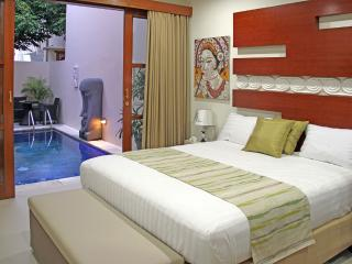 Elegant 3 Bedrooms Pool Villa Sea Side Sanur