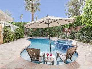 Walk to El Paseo, 3BR/2BA South Palm Desert with Pool, Sleeps 6
