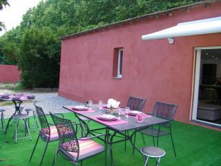 U  NESPULU / 100 M2 + terrasse 40 M2 ,3 chambres -15% promotion
