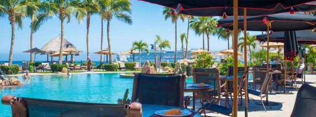 Pool-side dining, kid friendly choices