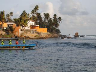 Thambilli Beach House & Cabana, Unawatuna