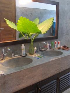 Main Bathroom - Thambilli Beach House