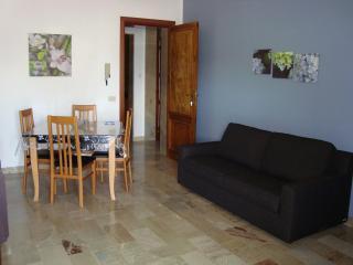 Appartamento con spaziosa veranda all'aperto in zona centrale a San Vito Lo Capo