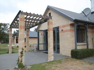 The Villa - Christchurch Holiday Homes, West Melton