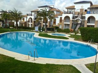 Al Andalus Hills 2BD Self catering apartment with heated winter poll