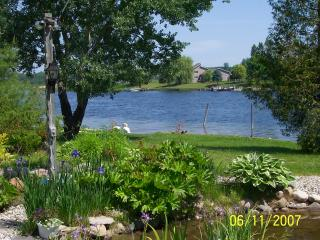NORTHERN MICHIGAN INLAND WATERWAY  COTTAGE, Cheboygan