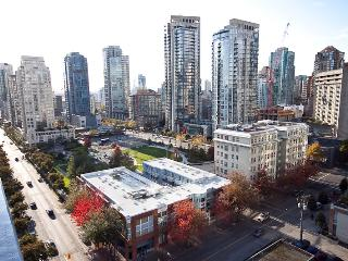 2 BR Luxury Apartment/Gym in Downtown - Yaletown, Vancouver