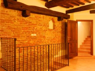 Great 2BR apt. in center of lovely Umbrian town, Città della Pieve