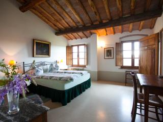 Charming rooms with amazing view and breakfast., San Gimignano