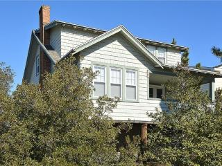Charming 4 bedroom, 2.5 bath ocean view home - Just steps to the beach!, Bethany Beach