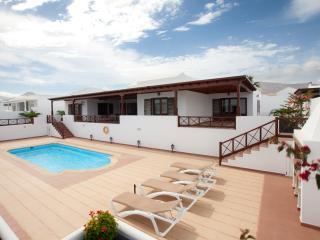 Villa de tres dormitorios en Puerto Calero