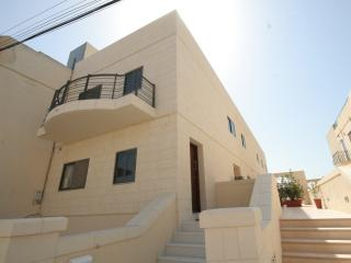 Beautiful, large and ultra modern holiday home, Saint Julian