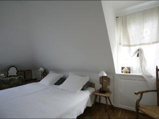 Suite Surah Bedroom 1