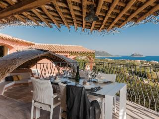 Luxurious property with pool, Golfo Aranci