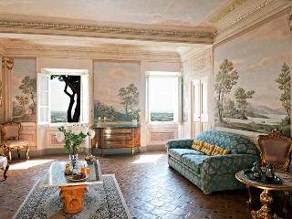 7 bedroom Villa in Pietrasanta, Near Pietrasanta, Forte dei Marmi, Italy : ref 2259051