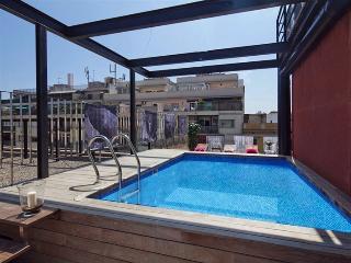 RF.1 | Arc Triomf Modernism Pool I, Barcelona