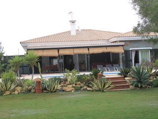 Villa para 8-12 personas a 5 minutos de la playa En San Andres Golf o Campano