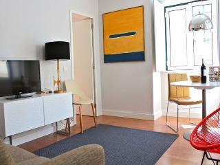 Juniper White Apartment, Lisbon