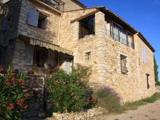 Magnifique maison de villageavec vue sur le lac, Montagnac-Montpezat