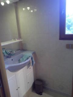 lavabo miroir chambre 2