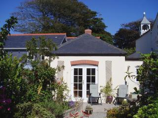 S68 - Bell Cottage, Falmouth