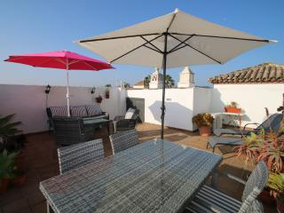Luxury 2 bed 2 bath penthouse apartment in Duquesa