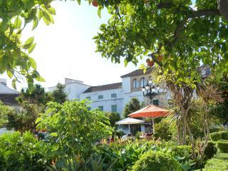 townhouse at lauro golf malaga-sleeps 8, Alhaurín de la Torre