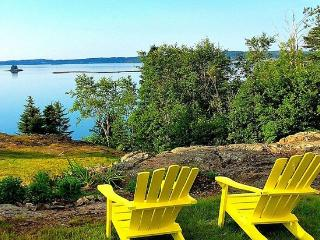 64 Private Acres Nestled Cabins, Cottages and Houses, Eastport