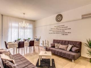 AT Vatican Luxury Apartment, Rome