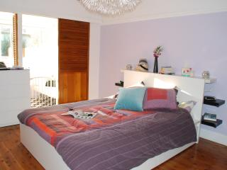 Sweet beach house for holidays!, Bondi