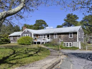 Spacious home on quiet road, short walk to beach, North Eastham