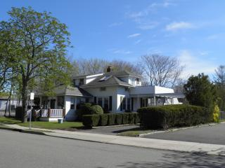Westhampton Beach--5 bedroom 2 bath with Pool/Spa