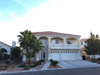 Luxury Home, 5-Bedroom, 3-Bath, Solar Heated Pool, Las Vegas