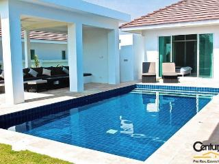 3 Bedroom Private Pool Villa suitable for children, Hua Hin