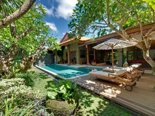 Kinaree Luxury 4 Bedroom Villa by the Beach, Seminyak