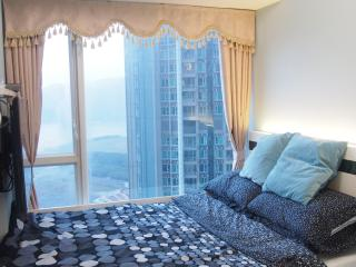 Mid-Floor Seaview COOL Room, Hongkong