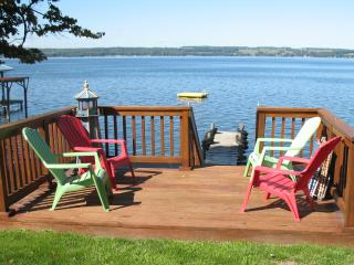 Gorgeous Seneca Lakefront Cottage, Romulus