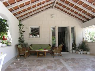 Apartments Vrandecic - LORETA - Brac, Postira