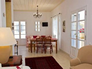 Spetses pool apartment