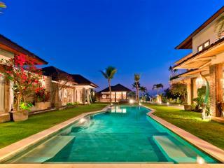 Villa Fleur Bali: 5 bedrooms Canggu