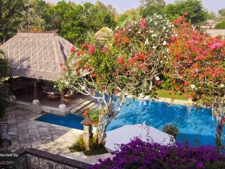 Villa Nusa Dua, large & luxurious 7bdr villa