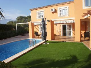 VILLA LEVANTE BEACH 4BD