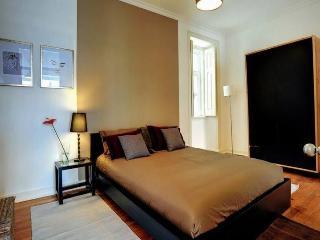 Dill White Apartment, Lisbon