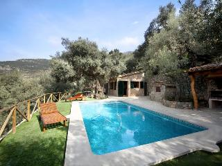 Es Olivar – Beautifully restored cottage in Deia, Deià