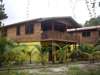 Palms Lagoon Cottage, Placencia